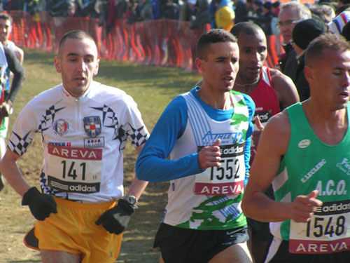 Championnats de France de cross 2010 - Hassan Hirt (sur la gauche) finira 3e / ©Culture Athle