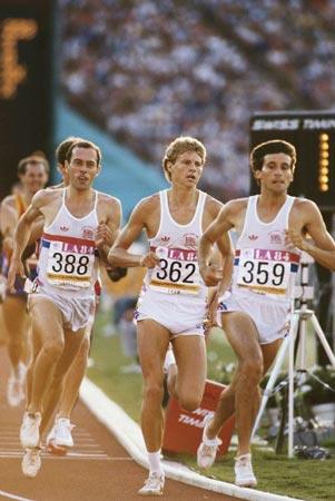 Le trio britannique de rêve : Steve Ovett (388), Steve Cram (362) et Sebastian Coe (359), ici aux JO de Los Angeles