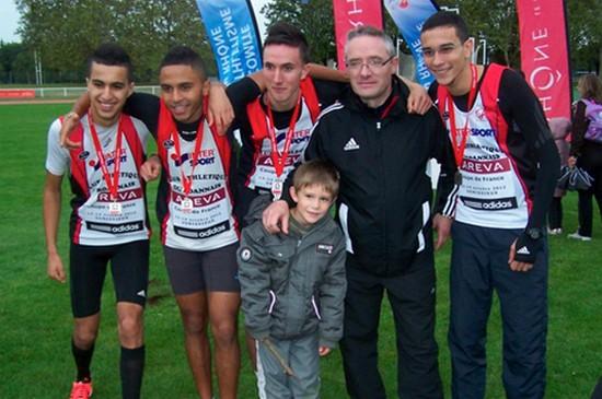 Gaëtan Manceaux et le CA Roannais vice champions de France  2012 du 4x800m, derrière Lille et Mehdi Baala