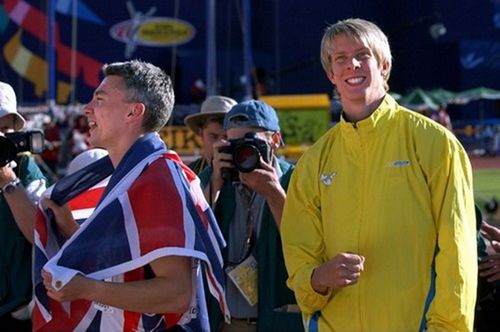 Christian Olsson, vice champion du monde 2001, derrière le maître Jonathan Edwards