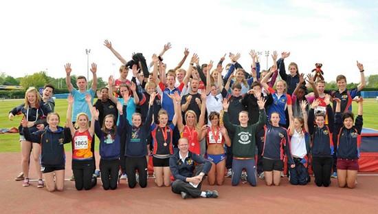 Le club d'athlétisme de l'Université de Birmingham aux championnats universitaires en plein air.